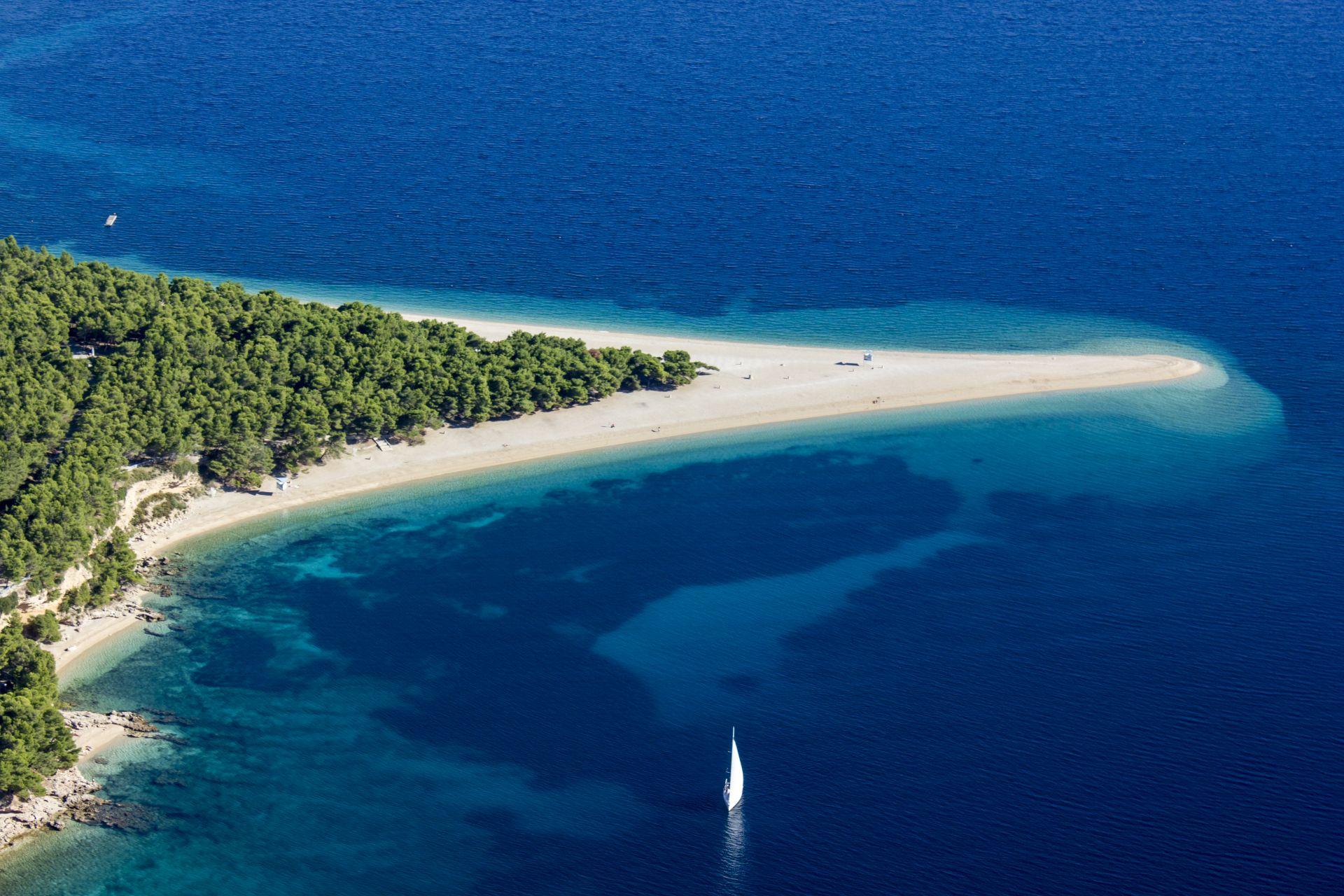 island-of-brac-bol-beach-travelogue-hit-dalmatia-marko-kapitanovic-tz-splitsko-dalmatinske-zupanije